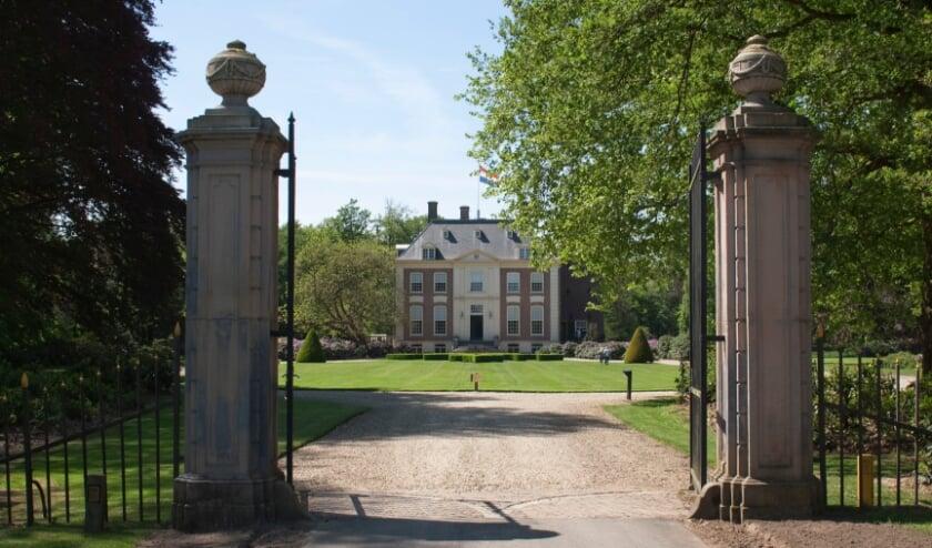 <p>Huis Verwolde, het &#39;Downton Abbey-kasteel&#39;, is op eigen gelegenheid te bewonderen </p>